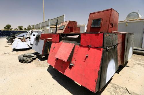 کشف و ضبط خودروهای طراحی شده داعش برای عملیات انتحاری در موصل عراق