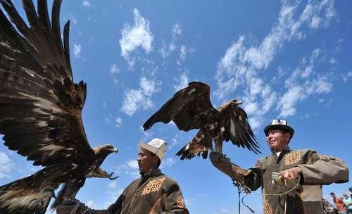 جشنواره سنتی شکارچیان در قرقیزستان