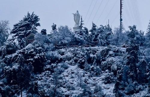 بارش برف در شهر سانتیاگو شیلی