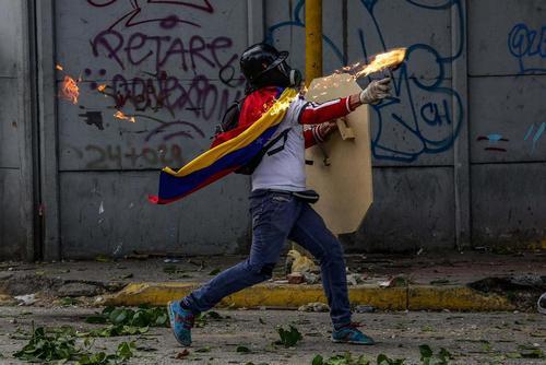 ادامه تظاهرات ضد حکومتی و ناآرامی در پایتخت ونزوئلا