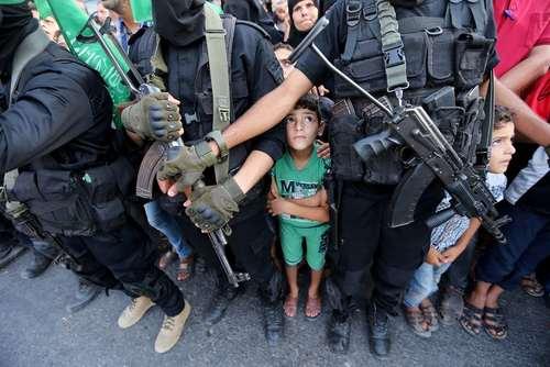 رژه شبه نظامیان حماس در خان یونس غزه
