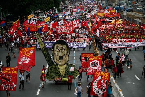 تظاهرات مخالفان رییس جمهور فیلیپین