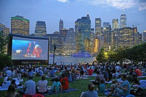 اکران عمومی تابستانه فیلم در منطقه