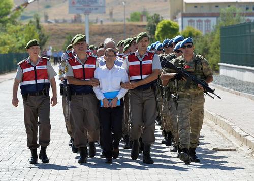محاکمه جمعی 500 نفر از متهمان کودتای نافرجام سال گذشته ترکیه در دادگاهی در آنکارا