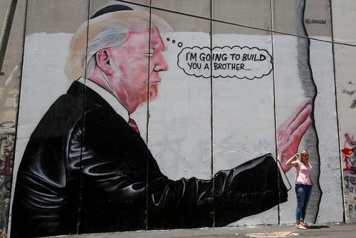 نقاشی دیواری از ترامپ در بیت لحم در کرانه باختری فلسطین