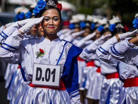 شرکت دانش آموزان بالی اندونزی در جشن سالگرد استقلال اندونزی