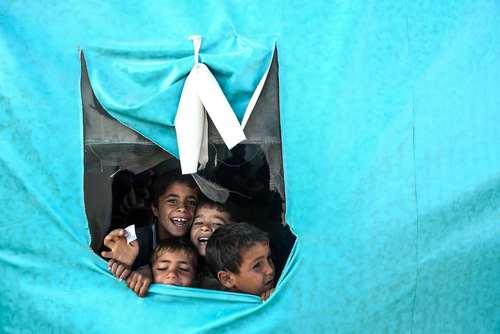 کلاس چادری برای آوارگان جنگی در شهر البیاده سوریه