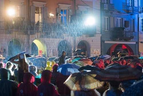 بارش باران در جشنواره بین المللی فیلم لوکارنو در سوییس