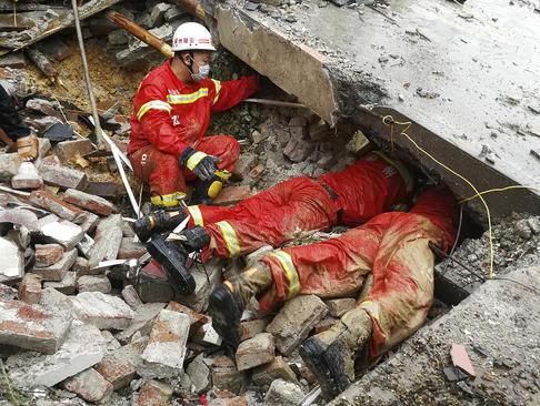 امدادرسانی به سیلزدگان در جنوب چین