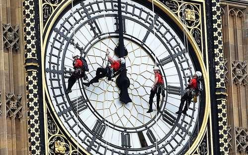 انجام تعمیرات روی ساعت
