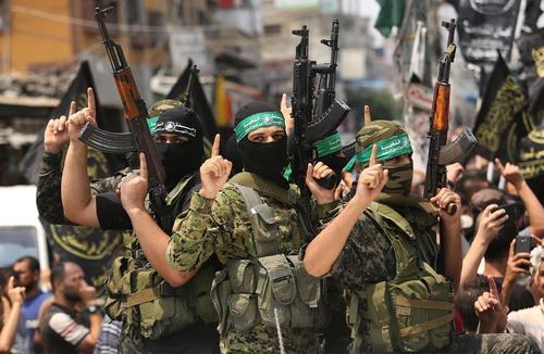 مراسم تشییع پیکر یکی از فرماندهان حماس که در یک حمله انتحاری در مرز رفح کشته شده است- باریکه غزه