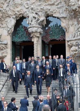 مقامات اسپانیایی در کلیسای جامع شهر بارسلون و در مراسم گرامیداشت قربانیان حمله تروریستی هفته گذشته در این شهر