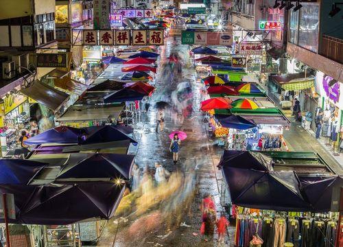 بازار خیابانی در هنگ کنگ