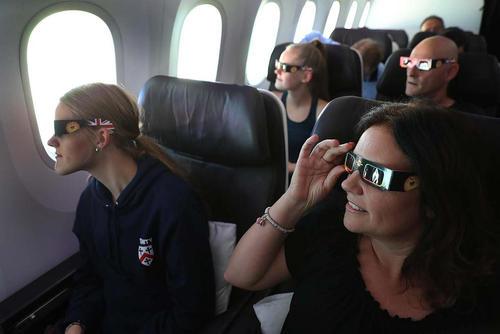 تماشای کسوف از داخل هواپیما در میامی فلوریدا