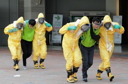 رزمایش ضد تروریستی و ضد حمله شیمیایی در شهر گویانگ کره جنوبی