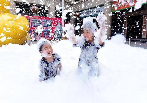 جشنواره کف در شهر شینل در شمال چین