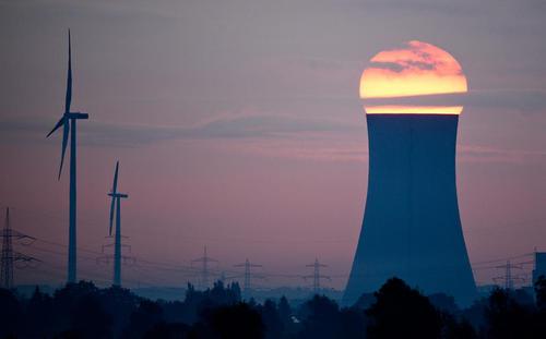 نمایی از غروب خورشید در شهر هانوفر آلمان