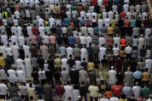 نماز عید قربان در مسحد ابوبکر صدیق در شهر قاهره