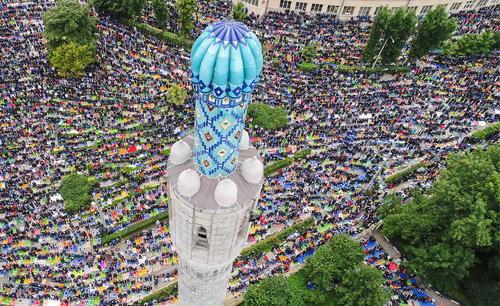 اقامه نماز عید قربان در مسجد جامع شهر سنت پترز بورگ روسیه