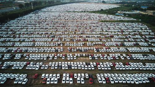 یک پارکینگ در شهر شنیانگ چین