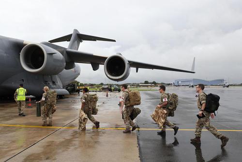 نیروهای نظامی بریتانیا در حال اعزام به مناطق تخریب شده از توفان