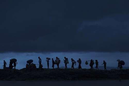 ادامه سیل ورود پناهجویان مسلمان میانماری به کشور بنگلادش