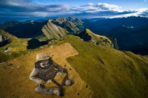 اثر هنری 6 هزار مترمربعی یک هنرمند بر فراز قله ای در سوییس به مناسبت 125 امین سالگرد افتتاح یک خط قطار