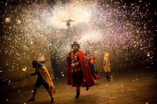 آیین ها و جشن های روز ملی کاتالان – اسپانیا