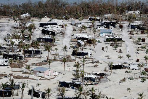 صدمات توفان ایرما به خانه ها  تاسیسات در منطقه