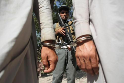 دستگیری 13 عضو طالبان در شهر جلال آباد افغانستان