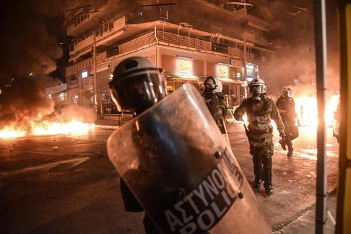 تظاهرات ضد فاشیست ها در جزیره پیرائوس یونان در پی قتل