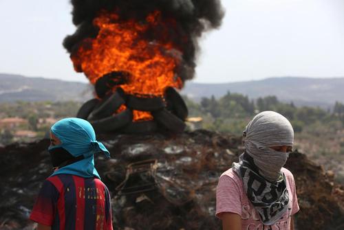 اعتراضات هفتگی ضد اسراییلی جوانان فلسطینی در شهر نابلس در کرانه غربی رود اردن