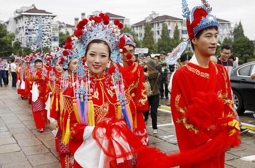 ازدواج گروهی 21 زوج چینی در شانگهای
