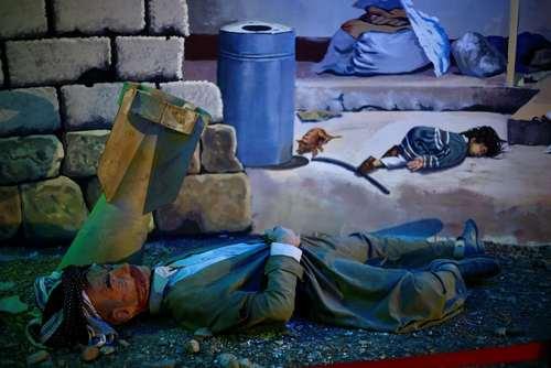 آثار هنری و مجسمه های مومی در موزه بمباران شیمیایی حلبچه در بیست و نهمین سالگرد این فاجعه انسانی