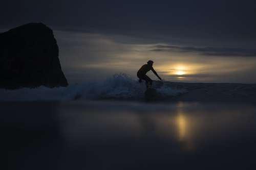 موج سواری در سواحل جزایر