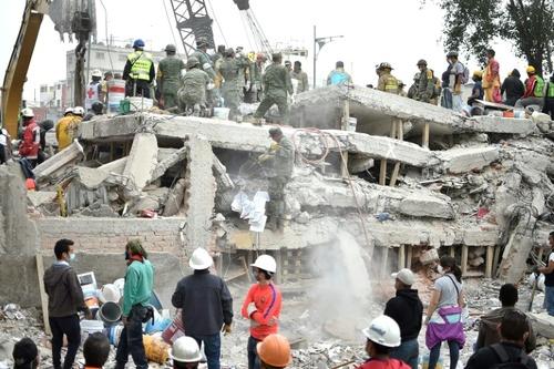 خرابی های زلزله مکزیک در پایتخت (مکزیکوسیتی ) / خبرگزاری فرانسه