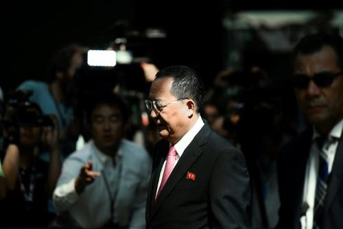 وزیر خارجه کره شمالی در حاشیه حضور در مقر سازمان ملل متحد در نیویورک / خبرگزاری فرانسه