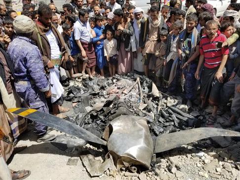 سقوط یک پهپاد آمریکایی در شمال شهر صنعا پایتخت یمن. این پهپاد را جنبش انصار الله یمن سرنگون کرد