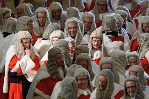 قضات دادگاه عالی بریتانیا در مراسم آغاز سال قانونی این کشور-  کلیسای وست مینستر در لندن