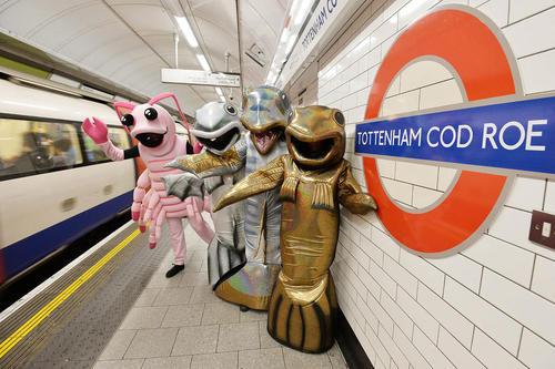 تبلیغ هفته غذای دریایی در انگلیس در مترو لندن