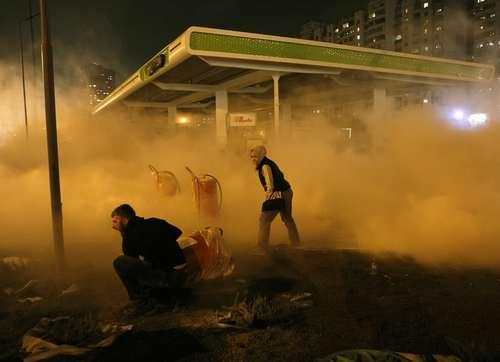 اعتراضات به ساخت یک جایگاه پمپ بنزین در محله ای پرتردد در شهر کی یف اوکراین