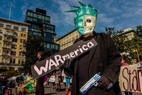 گردهمایی جنبش ضد جنگ در نیویورک در شانزدهمین سالگرد حمله آمریکا به افغانستان