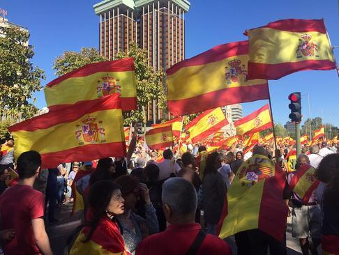 تظاهرات وحدت گرایان و مخالفان جدایی طلبی ایالت کاتالونیا اسپانیا در شهر مادرید