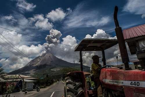 فعالیت آتشفشان در کارو اندونزی