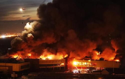 آتش سوزی یک مرکز خرید بزرگ در غرب مسکو