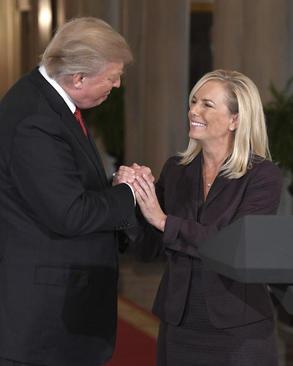 ترامپ در جلسه معرفی خانم
