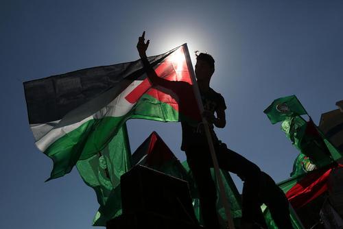 شادمانی از توافق آشتی بین دو گروه فلسطینی فتح و حماس – باریکه غزه