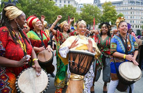 جشنواره سالانه رقص بومی آفریقایی در میدان ترافالگار لندن