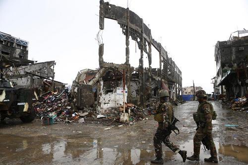 آزاد شدن شهر ماراوی فیلیپین پس از 5 ماه از اشغال شبه نظامیان وابسته به داعش