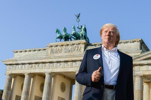 اتمام ساخت مجسمه مومی دونالد ترامپ رییس جمهور آمریکا برای موزه مادام توسو – برلین
